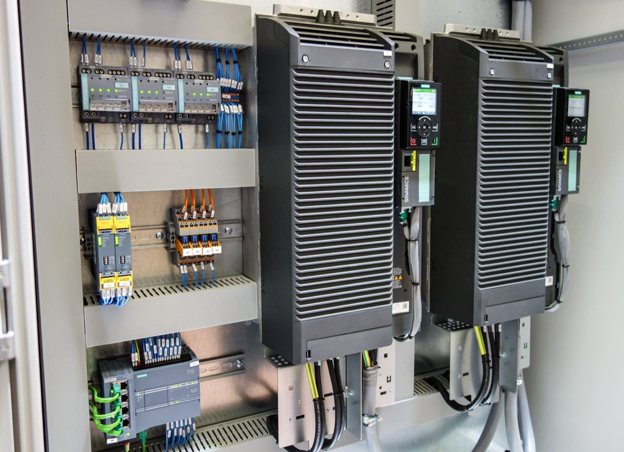 Variable Speed Drive solutions by Axis Controls