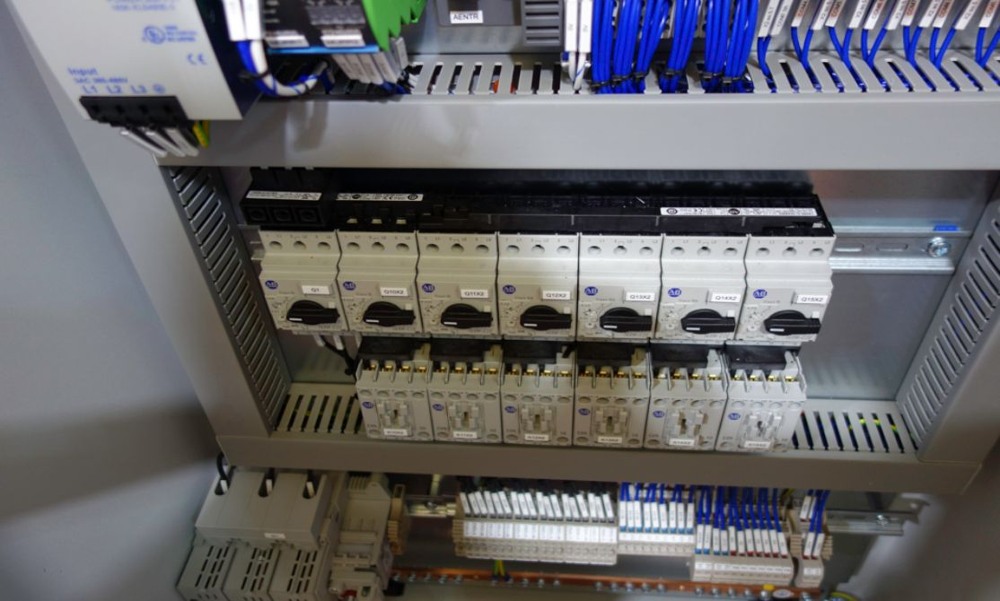Allen-Bradley PLC applications by Axis Controls